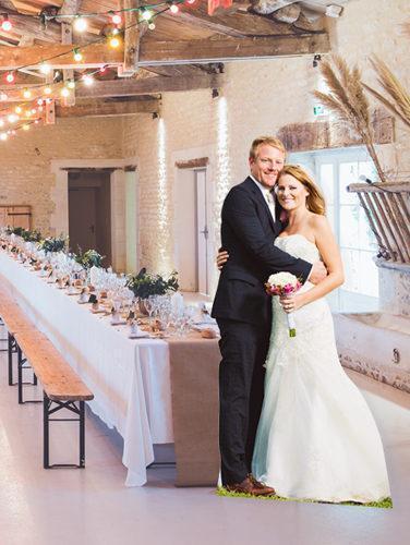 Personalisierte Pappaufsteller für Hochzeit Cutoutme